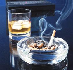 alcoholtabaco - El tabaco contribuye a atrofiar el cerebro de los alcohólicos