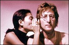 John Lennon junto a Yoko Ono, ambos consumían heroína